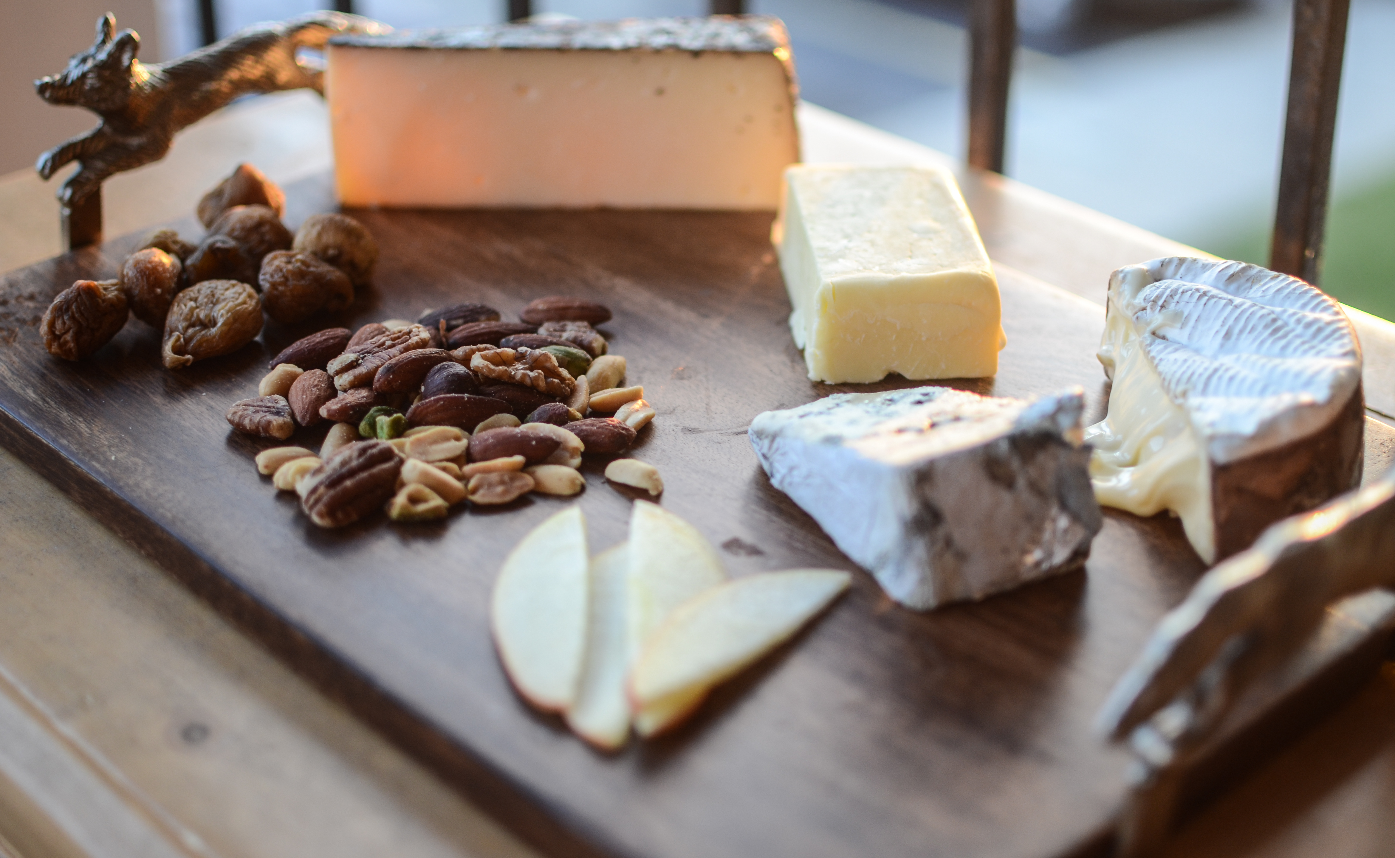 I finally left the store with 4 different cheeses mixed nuts fig jam prosciutto dried figs an apple and a baguette. I bought a wedge of bleu du0027auvergne ... & Building a Cheese Plate | Sam En Croute